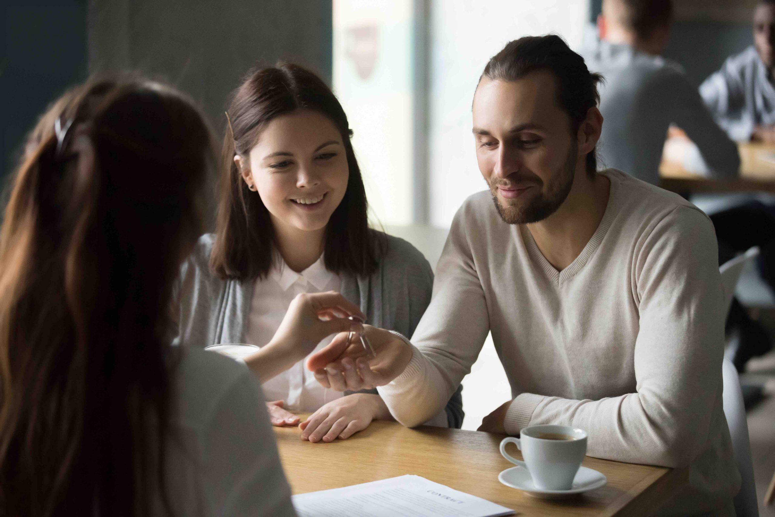 3 razones para invertir en el sector inmobiliario si eres joven
